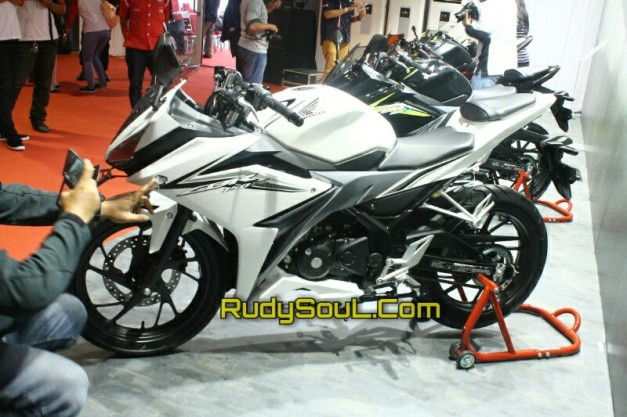 cbr facelift warna putih